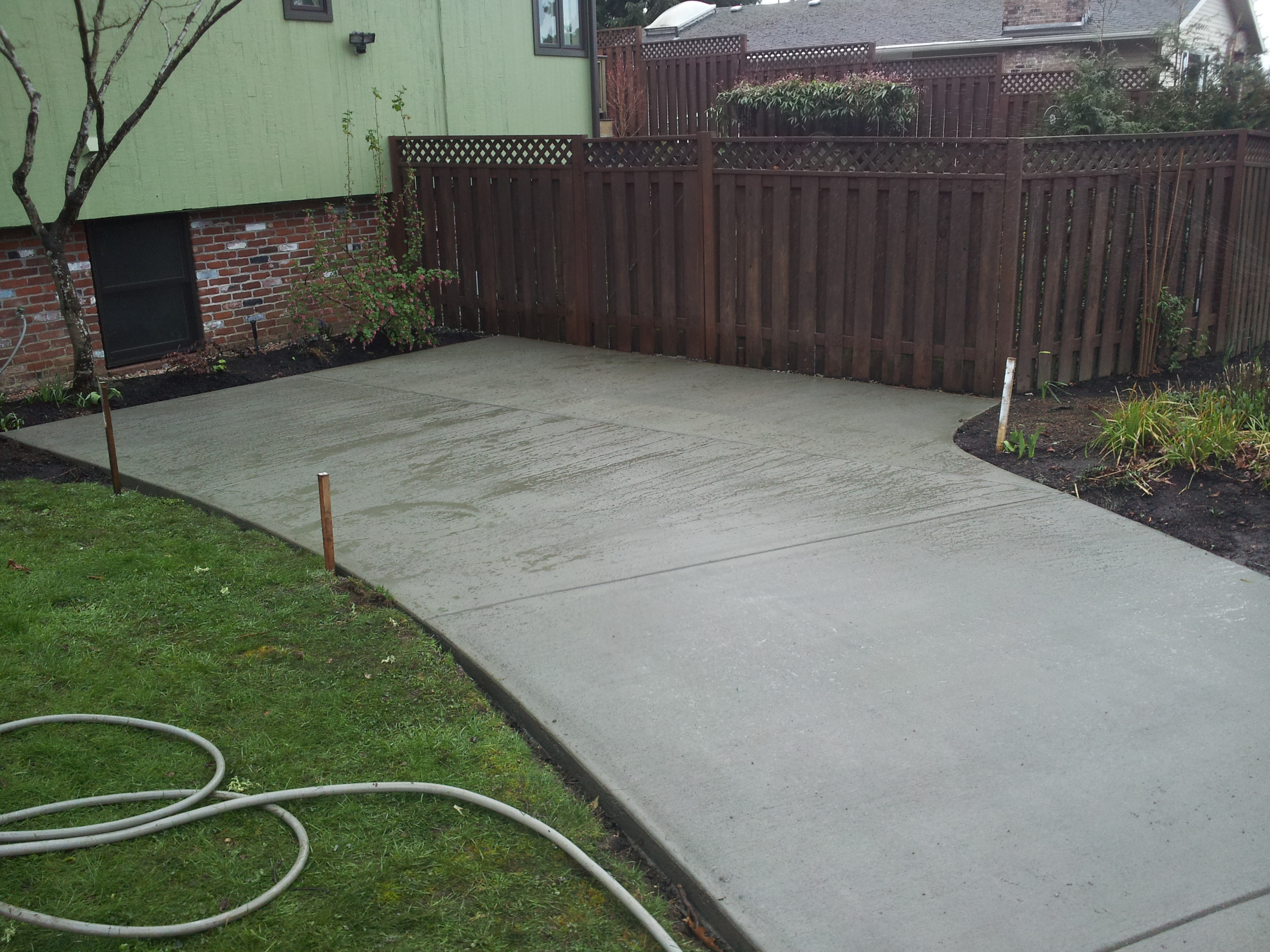 Concrete and brick combinations for Pouring your own concrete driveway